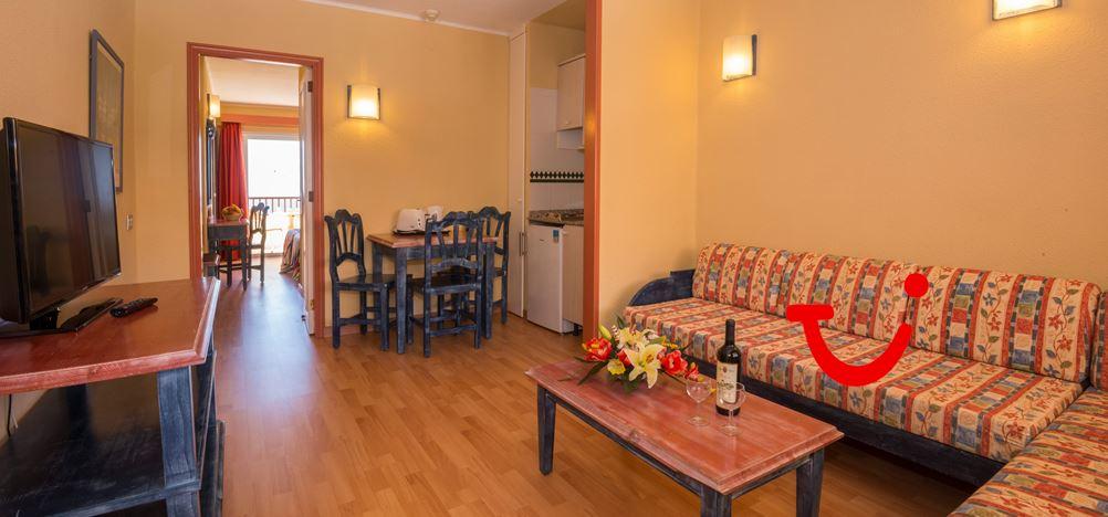 Hovima jardin caleta tenerife aparthotel costa adeje for Aparthotel jardin caleta tenerife
