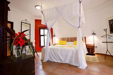 Bakau, Ngala Lodge
