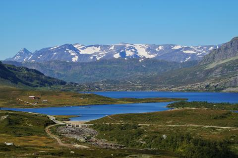 11-daagse rondreis Diepe fjorden, hoge bergen