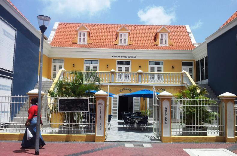 Curacao lastminute