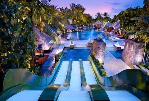 Hard Rock Hotel <br/>€ 1173.00 <br/> <a href='http://tc.tradetracker.net/?c=433&amp;m=472019&amp;a=241358&amp;u=http%3A%2F%2Fwww.tui.nl%2Fverre-reizen%2Findonesie%2Fbali%2Fkuta%2Fhard-rock-hotel%2F' target='_blank'>Meer info & prijzen</a>