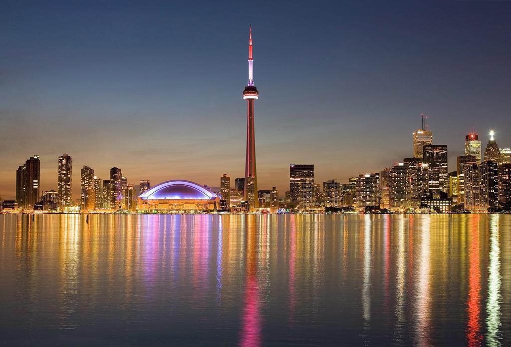 Fly & Drive Toronto, inclusief autohuur, met KLM (TUI)