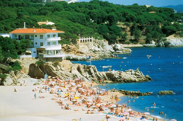 hotel costa brava playa aro: