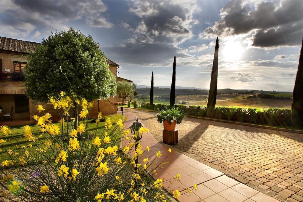 Borgo Tre Rose (hot)