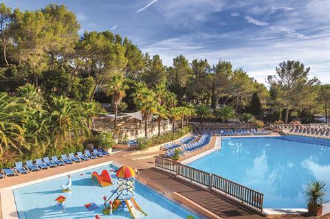 Holiday Green Resort & Spa