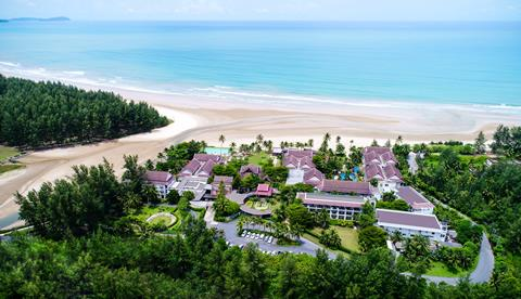 Apsara Beachfront Resort & Villa