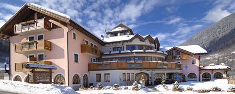 Op SkiVakantieTips is alles over wintersportvakantie in Italie te vinden: waaronder Commezzadura en specifiek Tevini (Tevini54188|1)