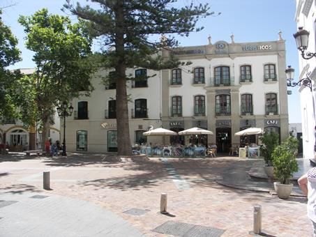Plaza de Espana Spanje Andalusië Nerja sfeerfoto 4