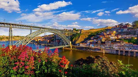 10 daagse fly drive Porto & de Spaanse fjorden
