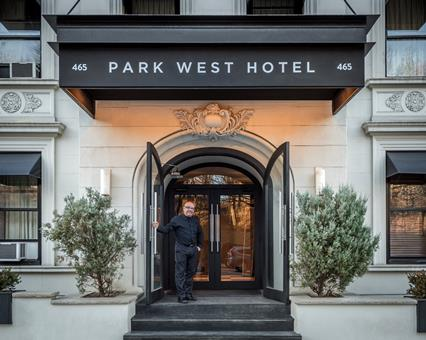 Park West Hotel (voorheen Astor on the Park)