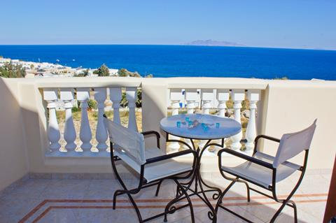 Epavlis Griekenland Cycladen Kamari sfeerfoto 1