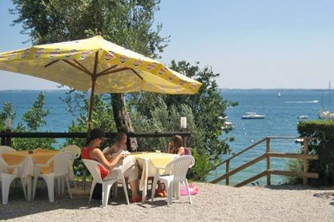 Fontanelle Italië Gardameer Moniga del Garda sfeerfoto 3
