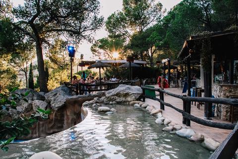 Goedkope vakantie Costa Brava 🚗️Castell Montgri - Happy Camp