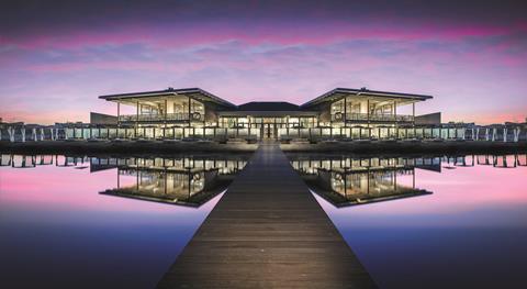 Goedkope autovakantie Zuid-Holland 🚗️Oasis Punt-West Hotel & Beach Resort