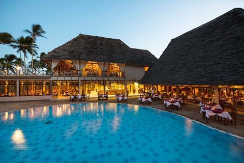 Neptune Pwani Beach Resort & Spa Tanzania Zanzibar Pwani Mchangani  sfeerfoto groot