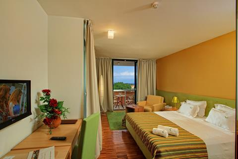 Korting vakantie Midden-Dalmatië 🚗️Bluesun Velaris Resort