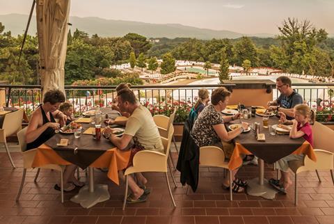 Korting vakantie Toscane 🚗️Norcenni Girasole Club - Human Travel