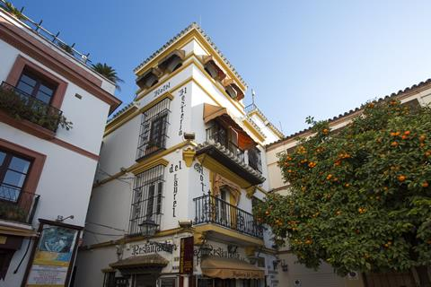 Casual Don Juan Tenorio Sevilla