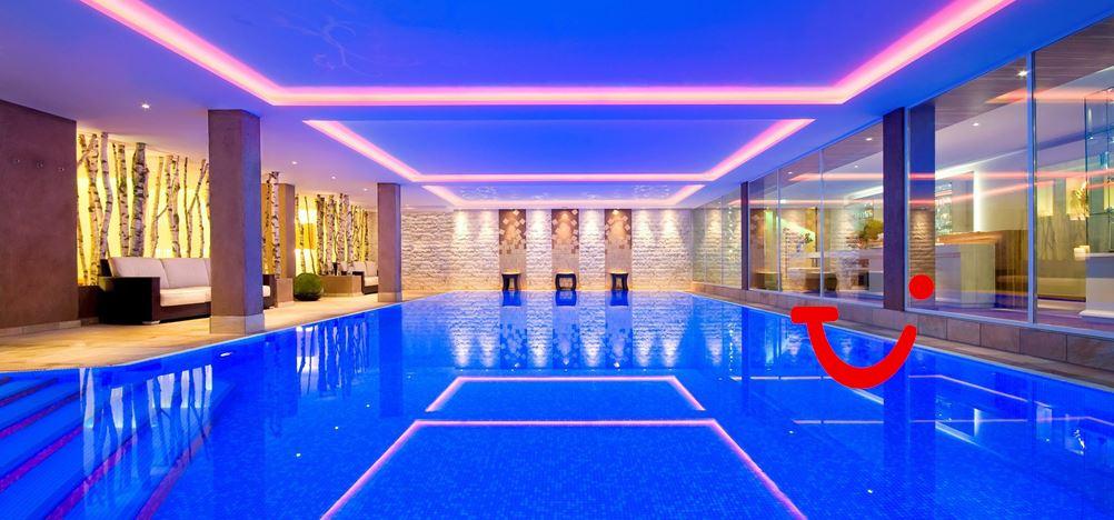 romantik hotel sackmann hotel baiersbronn duitsland tui. Black Bedroom Furniture Sets. Home Design Ideas