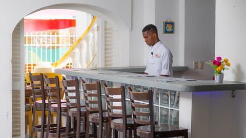 academy-hotel-curacao