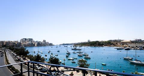 Super zonvakantie Malta 🏝️The Waterfront